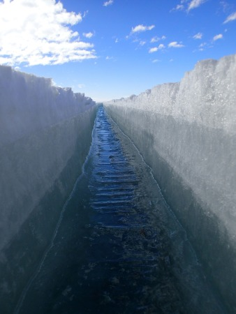 Crack in the sea ice.